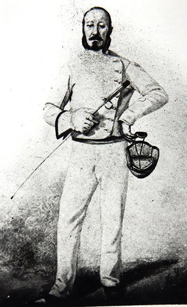 Photos-1858-Victorian-fencer